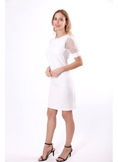Clıche Yakası ve Kol Evleri Boncuk İşlemeli Dantel Detaylı Elbise  Beyaz